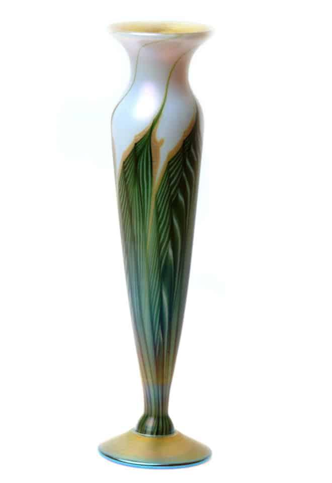 Magnolia Tall Bud Vase Artssouls